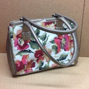 •MAKE OFFER• $150 RETAIL WILSONS LEATHER PURSE